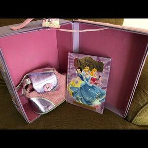 READY TO WRAP! New Doll Storage Case w/Bonuses